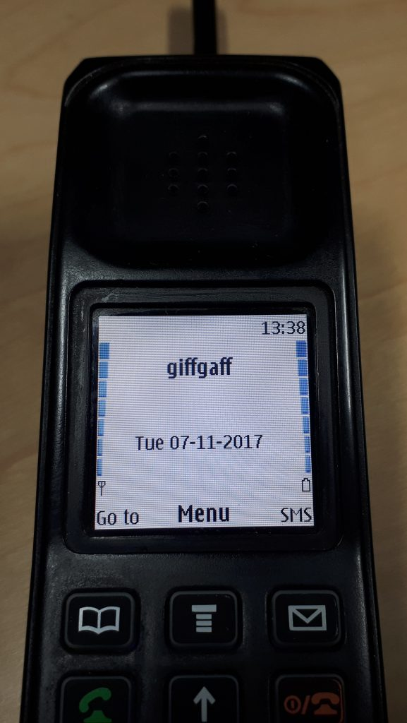 Retro phone showing the Nokia 6230i screen working
